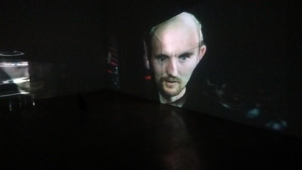 Laura Gozlan Trought the Silver Globe, 2015 Installation vidéo Courtoisie de l'artiste et de la galerie Escougnou-Cetraro, Paris